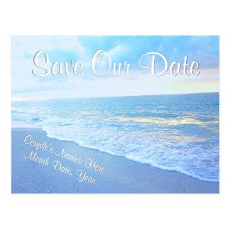 Reserva personalizada del boda de playa las tarjeta postal
