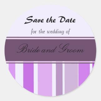 Reserva púrpura de la raya la fecha pegatina redonda