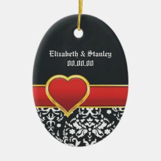 Reserva roja del boda del corazón del damasco adorno ovalado de cerámica