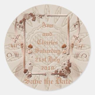 Reserva romántica del vintage la fecha pegatina redonda