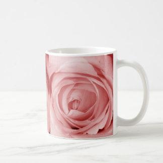 Reserva rosácea la fecha taza básica blanca