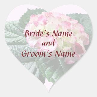 Reserva rosada y blanca del Hydrangea la fecha Pegatina En Forma De Corazón