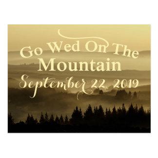 Reserva rústica del boda de la montaña del oro la tarjeta postal