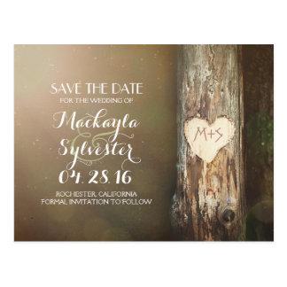 reserva tallada rústica del árbol del corazón las tarjeta postal