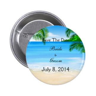 Reserva tropical del boda de playa de las aguas la pin redondo de 2 pulgadas