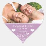 Reserva violeta del boda de la pizarra el sello de colcomanias corazon