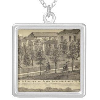 Residencia de Steffler y de Clark, Rochester Collar Plateado