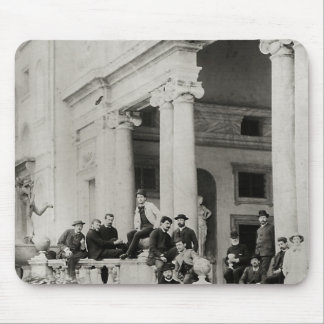Residentes del chalet Medici en Roma Mouse Pads