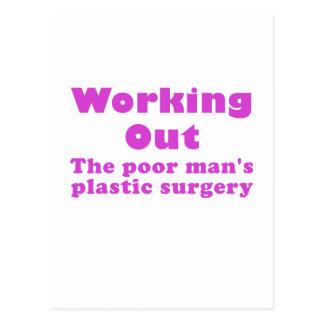 Resolviendo un pobre sirve cirugía plástica tarjeta postal