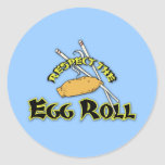 Respete el rollo de huevo pegatina redonda
