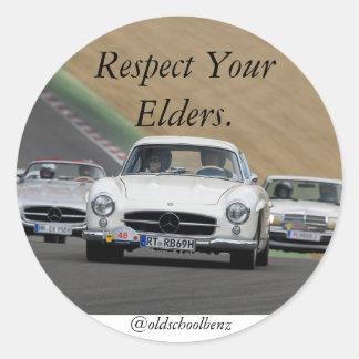 Respete su Benz de Mercedes de las ancianos Pegatina Redonda