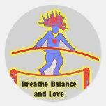 Respiración y amor de la balanza etiqueta redonda