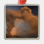 Respiradero de la cumbre del monte Etna, Sicilia, Adorno Navideño Cuadrado De Metal