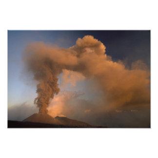 Respiradero de la cumbre del monte Etna, Sicilia,  Fotografía