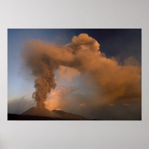Respiradero de la cumbre del monte Etna, Sicilia,  Póster