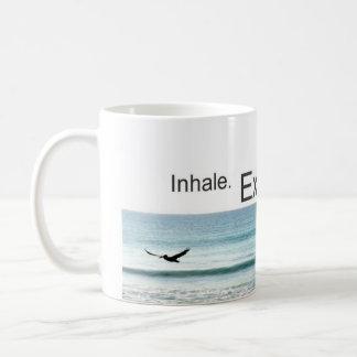 Respire y relaje la taza de café