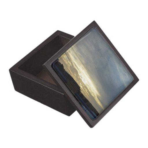 Resplandor brillante del cielo de la pre-puesta de caja de regalo de calidad