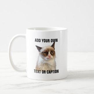 Resplandor gruñón del gato - añada su propio texto taza básica blanca