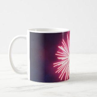 Resplandor rosada taza de café