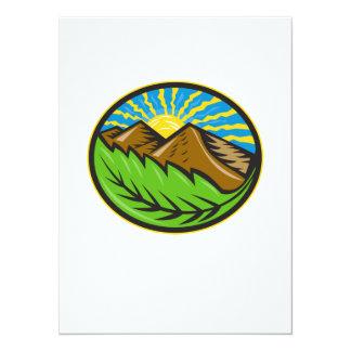 Resplandor solar de la hoja de las montañas retro comunicados