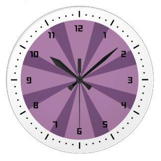 Resplandor solar púrpura y violeta reloj redondo grande