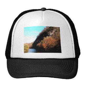 Resplandor solar sobre el río del remache, sudoest gorras de camionero