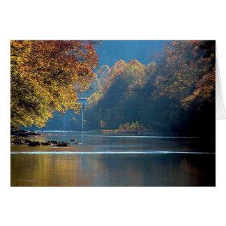 Resplandor solar sobre el río del remache, sudoest tarjetas