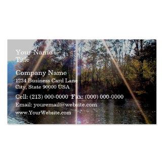 Resplandor solar sobre el río del remache tarjetas de visita