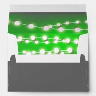 Resplandor verde del jardín de las luces de la sobre