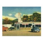 Restaurante del vintage, impulsión 50s en comensal postal