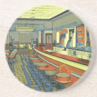 Restaurante del vintage, interior retro del posavasos cerveza
