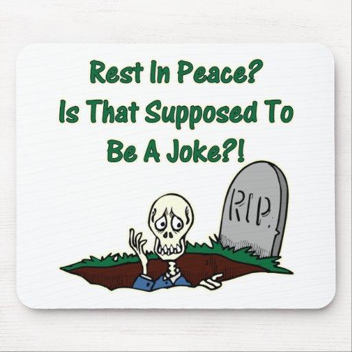 Resto en esqueleto de la paz alfombrillas de ratón