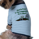 Resto en esqueleto de la paz camisa de perro