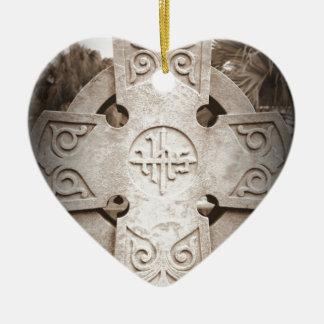 Resto en paz adorno de cerámica en forma de corazón