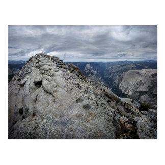 Resto Vista Yosemite de las nubes Tarjeta Postal