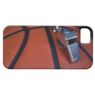 Restos del silbido de un árbitro encima de a funda para iPhone 5 barely there