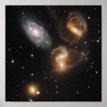 Restos galácticos en el quinteto de Stephan Posters
