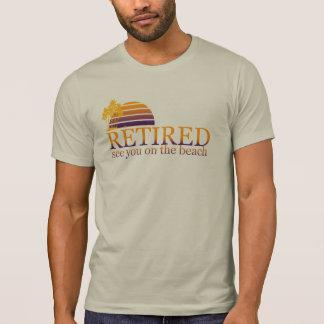 retirado véale en la playa camiseta