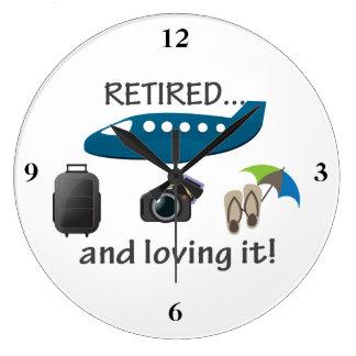 Retirado y amándolo vacaciones reloj redondo grande