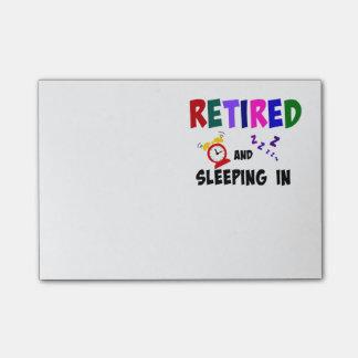 Retirado y durmiendo adentro nota post-it®