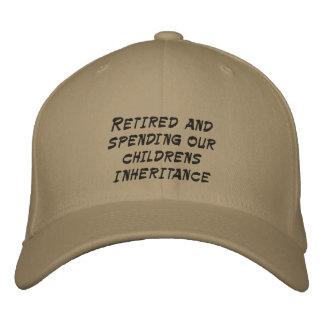 Retirado y pasando la herencia de nuestros niños gorras bordadas