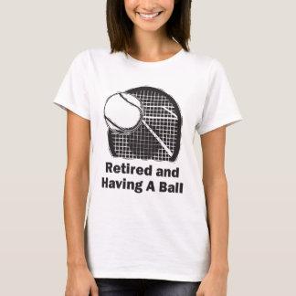 Retirado y teniendo una bola playera