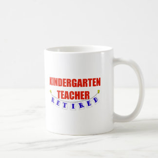 RETIRED KINDERGARTEN TEACHER CLASSIC WHITE COFFEE MUG