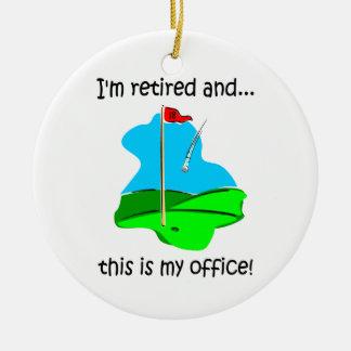 Retiro del humor del golf adorno navideño redondo de cerámica