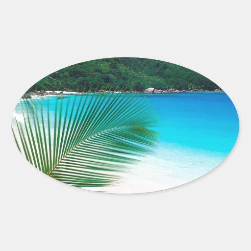 Retratamiento tropical Seychelles de la playa Pegatina Ovalada