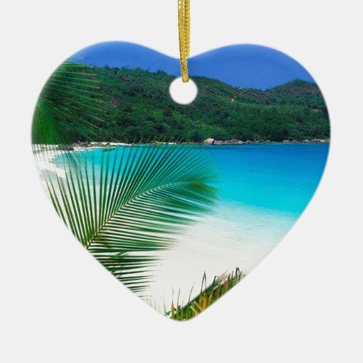 Retratamiento tropical Seychelles del agua Adorno Navideño De Cerámica En Forma De Corazón