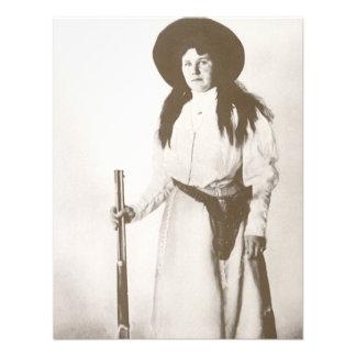 Retrato 1910 de la foto de una vaquera que sostien invitación personalizada