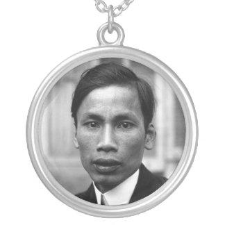 Retrato 1921 de Ho Chi Minh Nguyen Ai Quoc Colgante Redondo