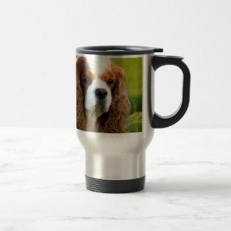 Retrato arrogante del perro de aguas de rey taza de viaje de acero inoxidable