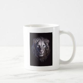 Retrato blanco de la cara del león taza de café